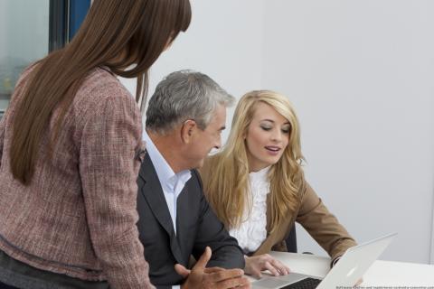 Hören und Verstehen: Gespräche mit Kollegen