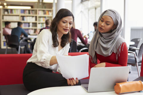 En rapport fra København viser, at etniske minoritetskvinder presses til at holde sig væk fra arbejdsmarkedet