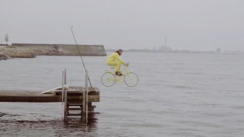 Wird er aufgehen? Innovative Filme zeigen, wie ein Airbag für Radfahrer funktioniert
