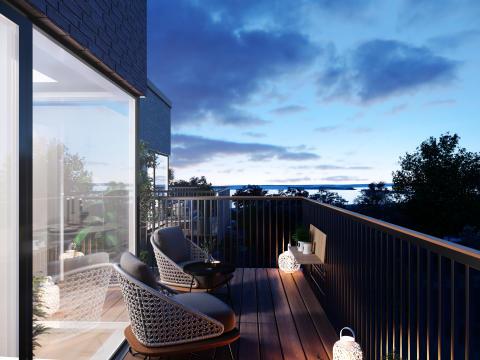 Holscher Nordberg arkitekter har tegnet et projekt, hvor de nye beboere kommer til at nyde godt af den kystnære beliggenhed og gode uderum med bl.a. altaner eller terrasser til alle boliger