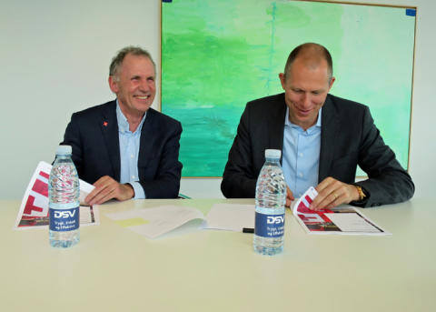 Red Cross Denmark signs international agreement with DSV