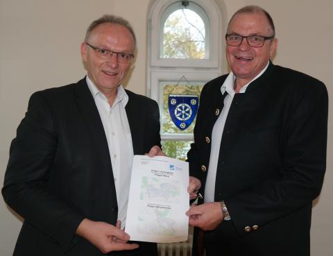 Breitbandausbau im Landkreis Ebersberg: Aßling bekommt ebenfalls Glasfasernetz