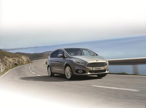 Nye Ford S-MAX er først ute med intelligent  fartsbegrenser og andre smarte innovasjoner