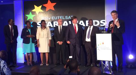 Schüler aus Ghana und Simbabwe bei den 5. DStv Eutelsat Star Awards geehrt