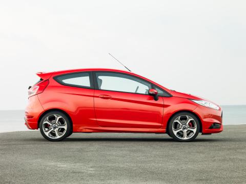 Den sportslige nye Fiesta ST med 20% flere hestekrefter og 20% mindre drivstoff-forbruk og CO2-utslipp