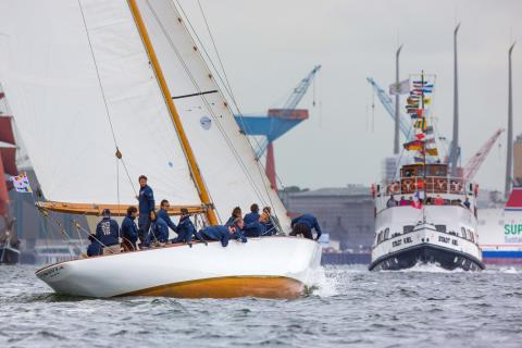 Majestätisch schön - 12mR Yachten auf der Kieler Innenförde