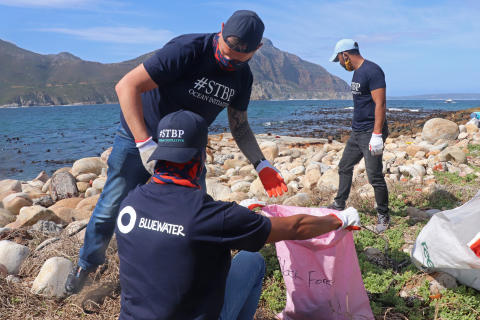 On World Clean Up Day, Bluewater South Africa help volunteer cleaners stay hydrated while cleaning the planet of trash