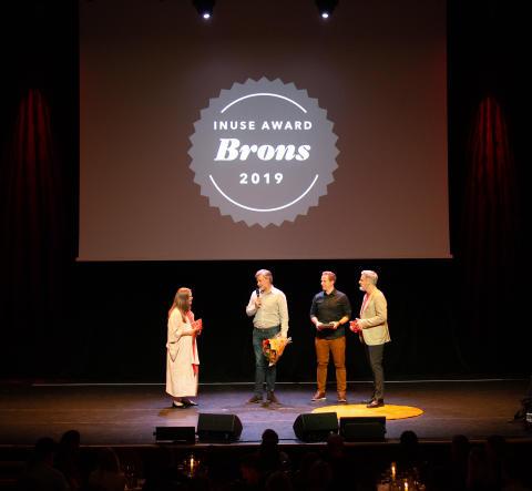 Cuviva tar emot bronsplatsen i inUse Award 2019