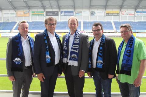 Gut gerüstet für die neue Saison: SC Paderborn und Energieservice Westfalen Weser verlängern Partnerschaft