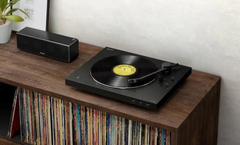Recrie perfeitamente a experiência sonora clássica do disco de vinil, sem fios, graças ao novo gira-discos PS-LX310BT da Sony