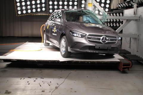 Mercedes-Benz B-Class Pole crash test June 2019
