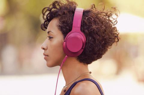 Mehr Klangfarbe geht nicht: die bunten Hi-Res Kopfhörer «h.ear on» von Sony sind da!