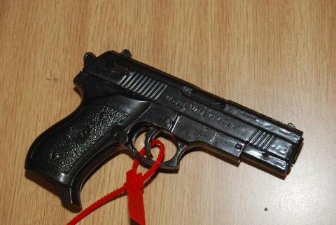 BB Gun and cash seized following warrant in Woodchurch, Wirral