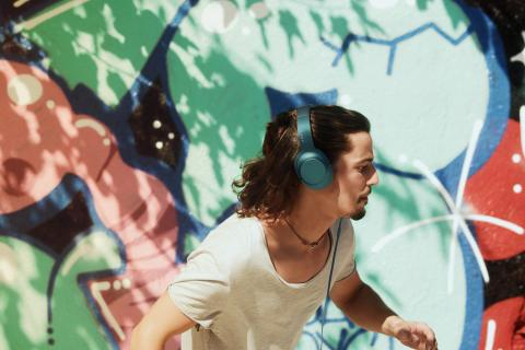 Sony_h.ear on_Lifestyle_Blau-Grün_01