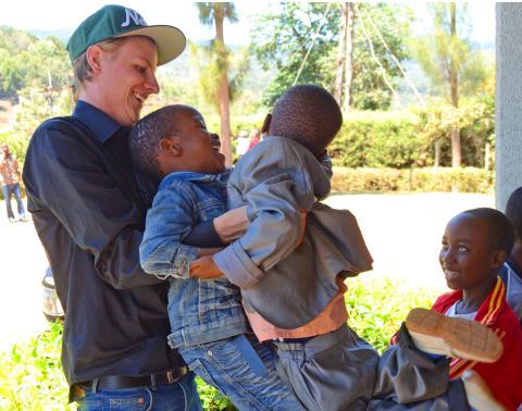 Simon, 22, är Årets världsförbättrare