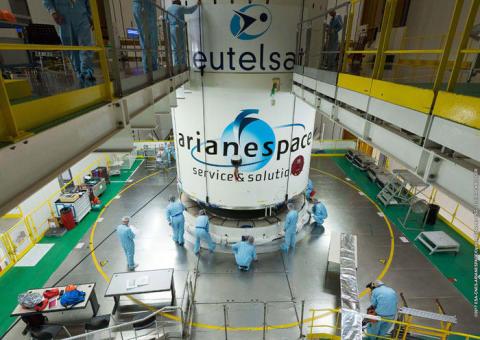 Eutelsat sigla un accordo a lungo termine per 5 lanci con Arianespace
