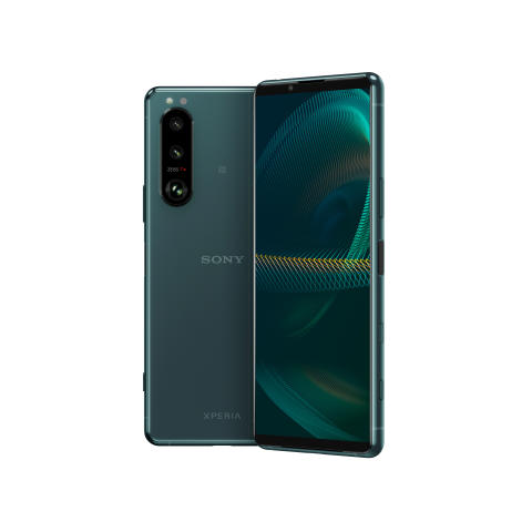 Sonyn uudet Xperia 1 III ja Xperia 5 III tuovat markkinoille maailman ensimmäisen älypuhelimiin suunnitellun säädettävän telekuvalinssin yhdistettynä Dual-PD-sensoriin[i] ja 4K HDR OLED 120Hz -virkistystaajuusnäyttöön[ii]