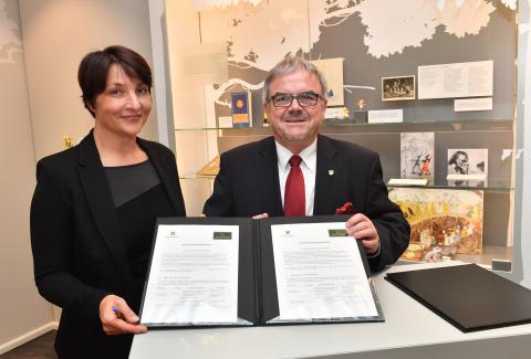 Kooperation verlängert: Traditionsmanufaktur Wendt & Kühn KG und Tourismusverband Erzgebirge e. V. werben gemeinsam um Touristen