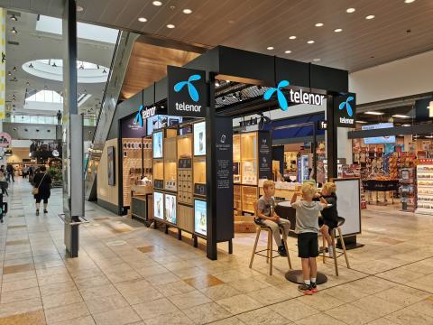 Telenor går i luften med ny `box´-butik