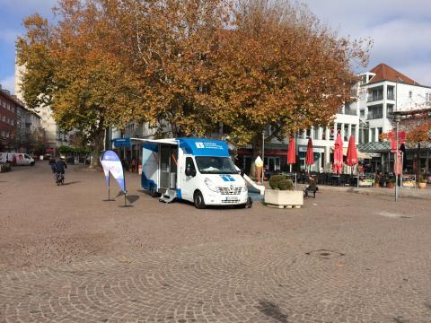 Beratungsmobil der Unabhängigen Patientenberatung kommt am 9. Mai nach Friedrichshafen.