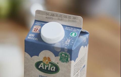 92 millioner Arla mælkekartoner har fået ny datomærkning, der skal modvirke madspild