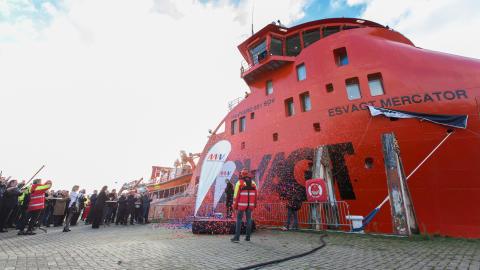 'Esvagt Mercator' holder Nobelwind og Belwind kørende