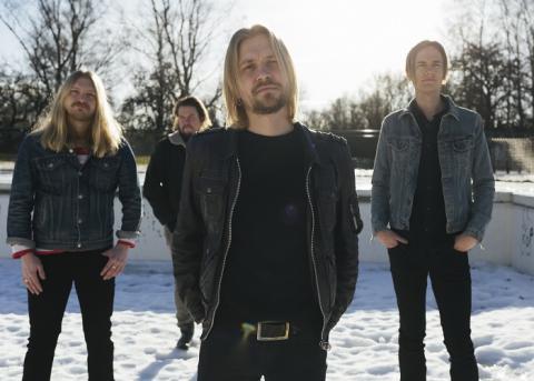 Erik Lazaroff & Hökarna - Under Hökens Vingar – ute nu