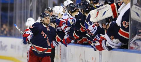 Mats Zuccarello Aasen og N.Y Rangers møter Boston Bruins på Viasat 4