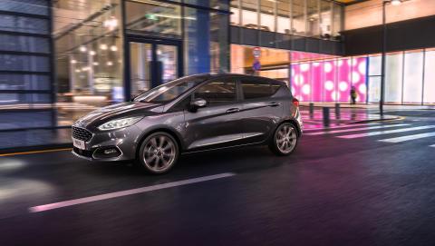 Fiesta udvides med hybridteknologi og 7-trins automatgear