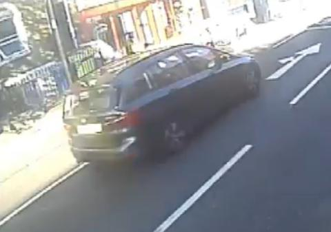 The suspect vehicle seen on a passing bus CCTV camera.jpg