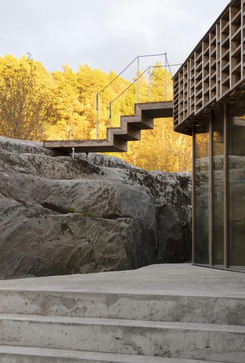 """Architekturpreis für """"Lichtspiel-Fassade"""" aus Kebony"""