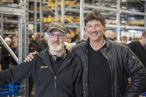 Anders Jonsson, Engconin Strömsundin tehtaiden asennusvastaava, ja Engconin perustaja Stig Engström.