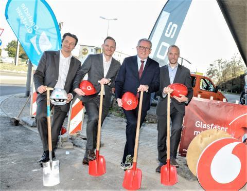 Digitalstandort Mannheim: Deutsche Glasfaser und Vodafone starten gemeinsam mit Glasfaserausbau in neun Gewerbegebieten