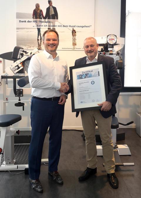 Köln: FPZ Therapiezentrum am Rhein erhält ISO-Zertifizierung für FPZ RückenTherapie - Weitere FPZ Therapiezentren im Bundesgebiet sollen folgen