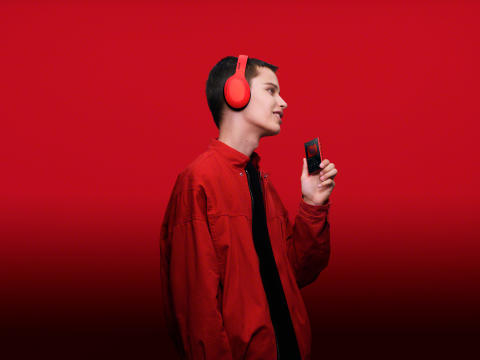 Walkman NW-A105 _Red_WH-H910N_WW-Large