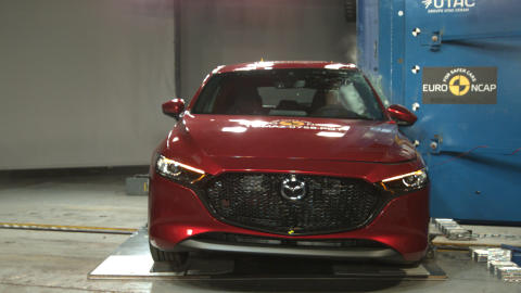 Mazda 3 Pole crash test May 2019