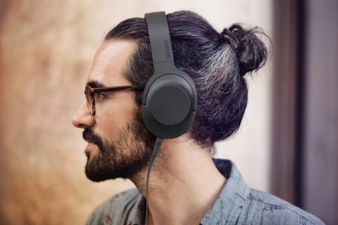 Sony_h.ear on_Lifestyle_Kohlschwarz_03