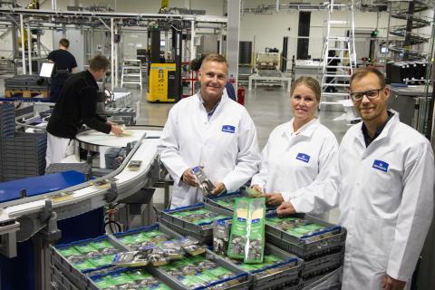 Norrmejerier skivar ost vid Umeå mejeri