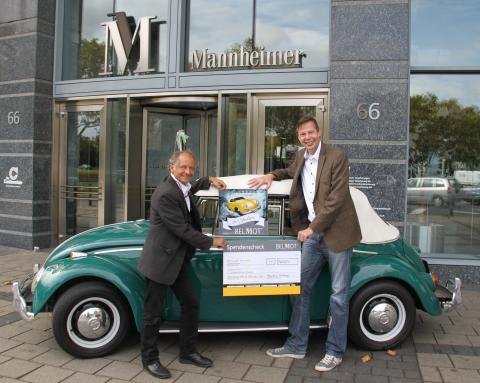 Spendenscheck an Lebenshilfe Gießen übergeben: 1000 Euro durch Kooperation