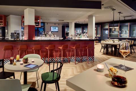Charlys Bar & Lounge im Légère Express