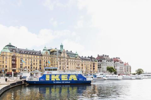 Den eldrivna pendlarbåten Sjövägen, linje Nybrokajen-Frihamnen t/t