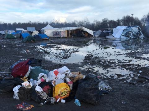 Levnadsförhållandena i flyktinglägret i Grande-Synthe ska förbättras.