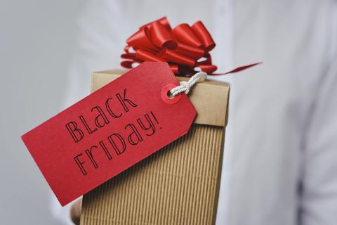 Nytt rekord för e-handeln på Black Friday trots ökat motstånd
