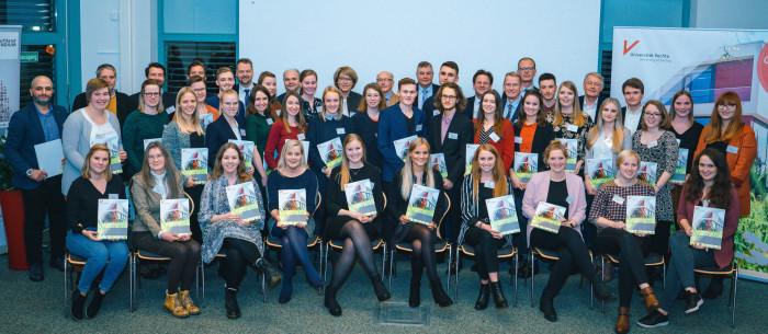 Studierende erhalten Freiräume für Studium und Ehrenamt | Deutschlandstipendium sucht nach Förderinnen und Förderern