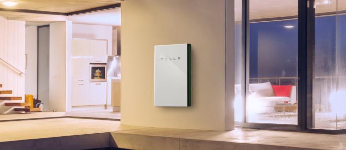 Artikel bild, Teslas batteripaket är billigast. Men trots bidrag är det fortfarande svårt att räkna hem.