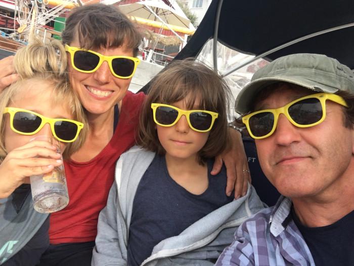 Klar for tur: Casper, mamma Cathrine, Cristopher og pappa Christian.