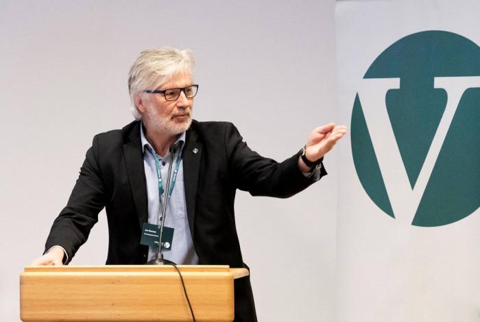 Jon Gunnes (V), Stortingsrepresentant och ledamot i Transport- og kommunikasjonskomiteen. Foto: Ned Alley