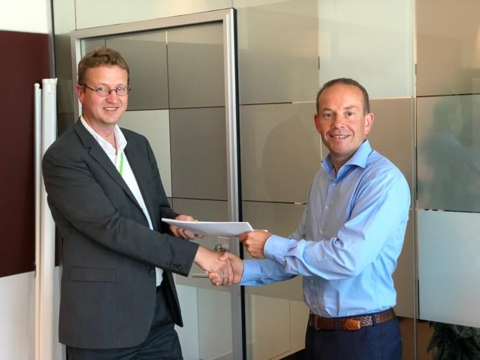 Ser fram til godt samarbeid rundt digital innovasjon: Arne Erik Berntzen CIO Posten Norge AS (t.v.) og rådgiver Yngve Kristiansen i Webstep.