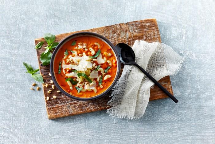Karolines Køkken lancerer suppebestseller i ny økologisk variant