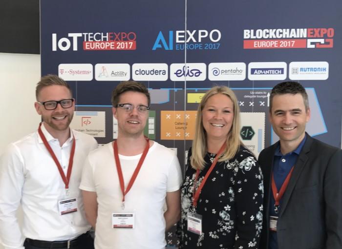 Rekrutterer til IoT: Marianne Styrman og Webstep jakter etter flinke folk til sin velforberedte IoT-satsning. Her med Joakim Lindh og Erik Broen til venstre, og Kjartan Aanestad til høyre.